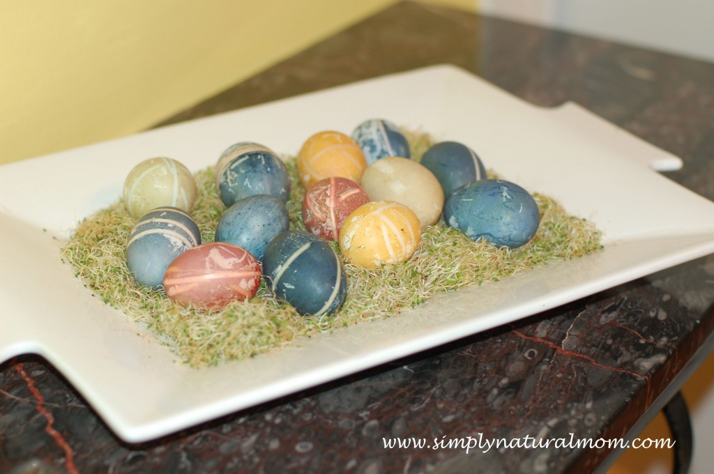Naturally dyed fresh Easter Eggs – Happy Easter!
