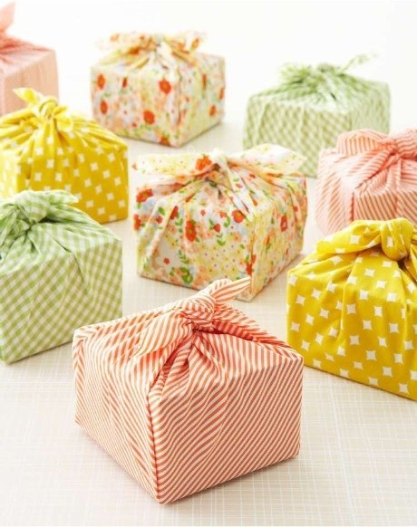 How To Wrap A Wedding Gift Box : Fabric gift bags and wrapping ideas on Pinterest Simply Natural Mom