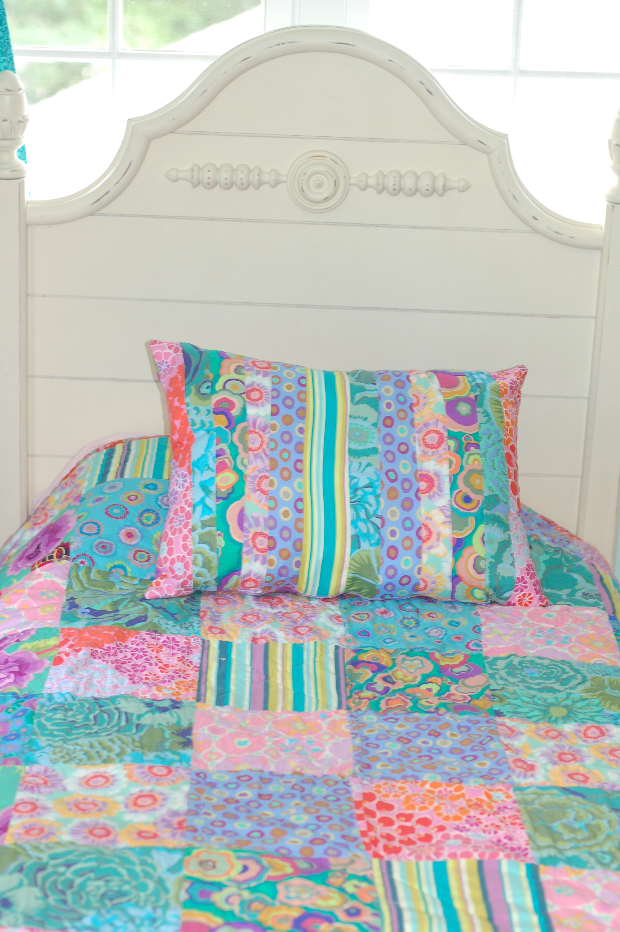 Diy Comforter Featuring Kaffe Fassett Fabrics Simply Natural Mom
